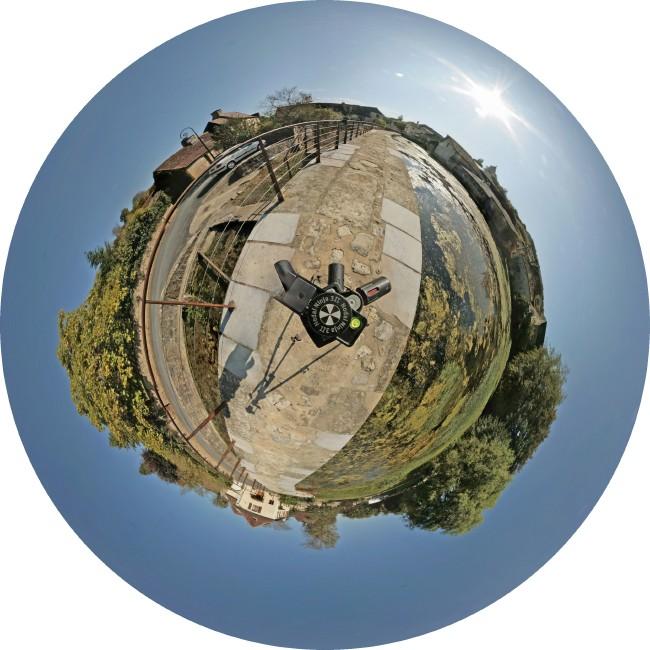 La quadrature du cercle :) Pano-michel-azerat-little-planet650